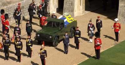 Szívszorító! II. Erzsébet titkos üzenetet rejtett Fülöp herceg koszorújába - videó