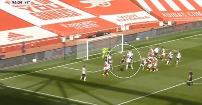 Videó: a szögletnél feljövő kapus is benne volt az ikszet érő Arsenal-gólban