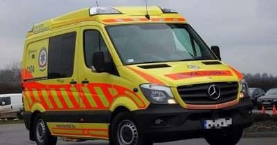 Halálos baleset – Busszal ütközött egy autó Győrszemerénél – teljes útzár a 83-as főúton