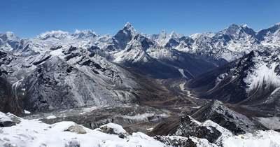Mindkét mászónk az Everest alaptáborában