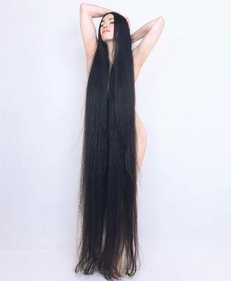 Elképesztő: levágatta két méter hosszú haját az indiai lány - Videó