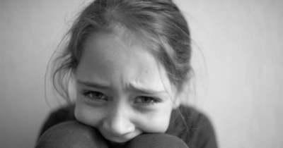 Rolleres futár ütötte el a kislányt Nyíregyházán, a sétálóutcában, de az igazán felháborító az, amit ezután tett
