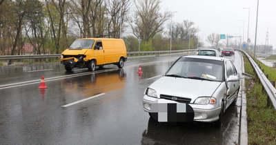 Karambol az 1-es főút győri szakaszán az Audi Arénánál – fotók a balesetről