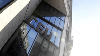 Újraindíthatja nemzetközi képzéseit a CEU Budapesten