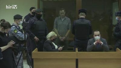 Navalnijt egy börtönkórházba szállították, állapota egyre rosszabb