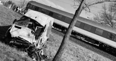 Baleset miatt késnek a vonatok a Miskolc-Hidasnémeti vonalon – FRISSÍTETT (új: meghalt a kisteherautó vezetője)