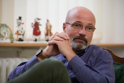 Zacher Gábor elárulta, szabad-e alkoholt fogyasztani az oltás után