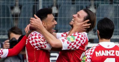 Videó: 16 hónap után ismét Szalai-gól a Bundesligában!