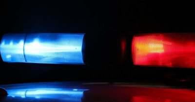 Felborult egy teherautó a 67-es úton, ketten megsérültek