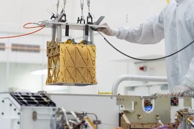 Működik a NASA eszköze, ami belélegezhető oxigént gyárt a Marson