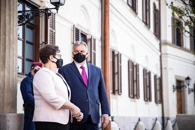 Orbán Viktor Supermanként köszöntötte Müller Cecíliát