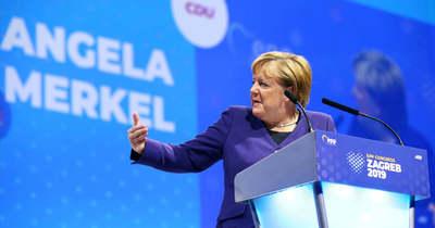 Merkel szerint sem leckéztethetik demokráciáról a keletieket