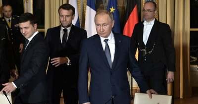 Putyin kész Moszkvában fogadni Zelenszkijt