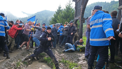 A román legfőbb ügyészséghez került az úzvölgyi temetőbotrány
