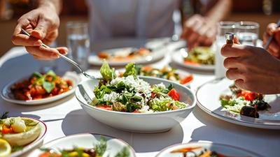 Az étkezés forradalma: egyre szélesebb körben terjed a növényi alapú táplálkozás