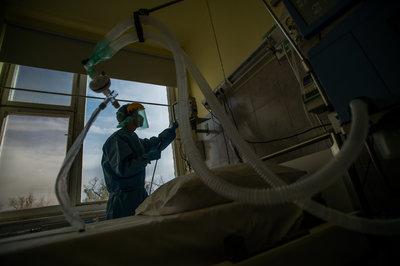Elkészült a tömeg-lélegeztetőrendszer prototípusa az Óbudai Egyetemen