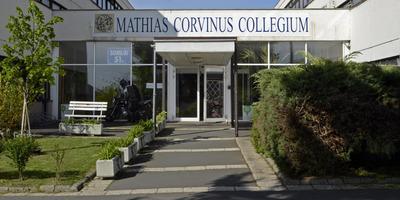Középiskolások jelentkezését várják a Mathias Corvinus Collegium képzéseire