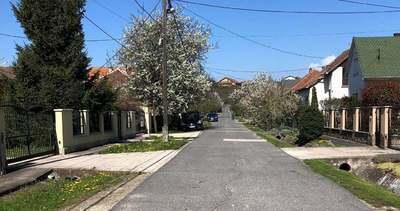 Százhalombattai tragédia: ebben az utcában lakott az elhunyt család – Fotó