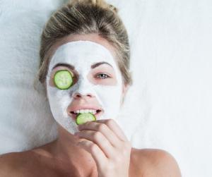 8 zöldség és gyümölcs, ami csodát tesz az arcbőröddel!