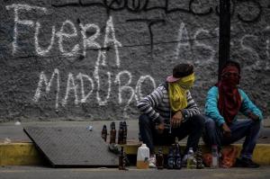 Tizenhat éves fiút öltek meg a venezuelai összetűzésekben