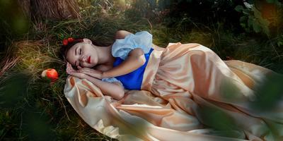 Pszichés zavarok és bántalmazás: ez a Disney hercegnők igazi élete (18+)