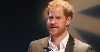 Hatalmas siker volt Harry beszéde, ezért tapsolta állva a közönség