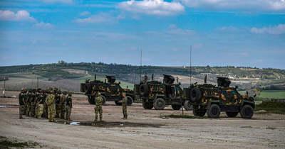 """Látványos videó: a tatai katonák először lőttek az új páncélos """"paripákkal"""""""