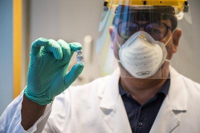 Dr. Merkely Béla: Nincs szükség harmadik oltásra, a Sinopharm vakcina adja a legszélesebb immunitást