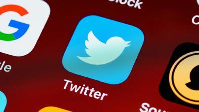 Reklámmentesítő szolgáltatást vett a Twitter