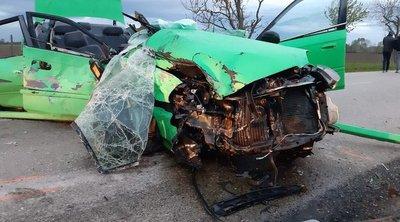 Frontálisan összeütközött két személygépkocsi Nagykáta és Tápióbicske között