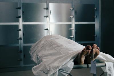 Tíz negatív teszt után halt bele a koronavírusba az édesanya