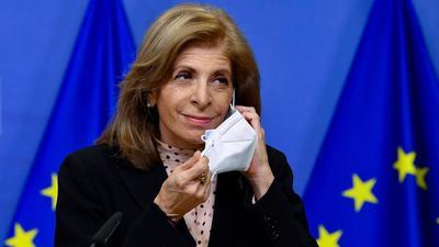 Brüsszeli korrupció: ezért nem engedélyezi az unió a keleti vakcinákat?