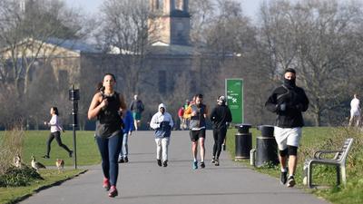 A járvány alatt különösen fontos a testmozgás, állítja az orvosi egyetem