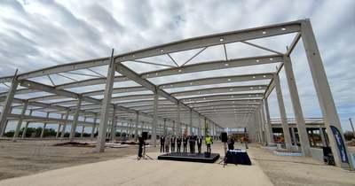 Bokrétaünnepséget tartottak a gyulai Airbus-gyárnál