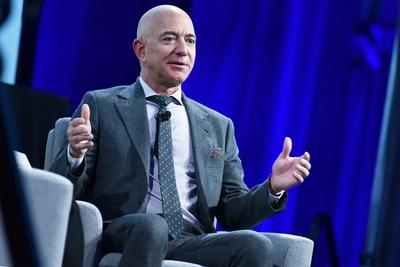 Jeff Bezos megint eladott 2 milliárd dollárnyi Amazon részvényt