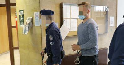 Letartóztatták a csalással gyanúsított győri megasztáros énekest – fotók