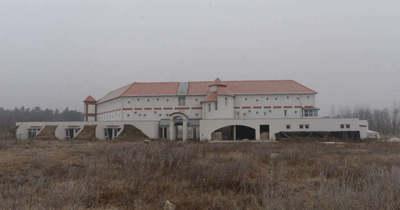 Kisteleki szállodamutyi: bíróság elé állt a három vádlott