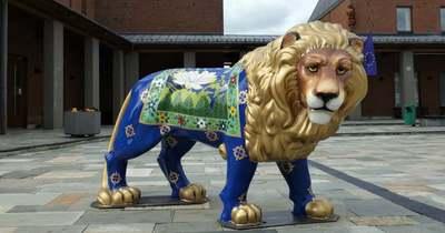 Új mintát kapott a herendi oroszlán
