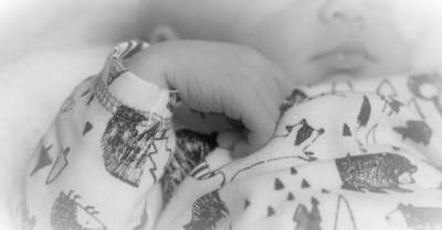 Magához sem ölelhette, szülés után elvitték halott kisbabáját a miskolci édesanyától