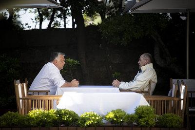 Orbán-Jansa találkozó: az oltás életet ment