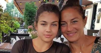 Fésűs Nelly 18 éves lánya kicsit sem szégyellős, ledobta a melltartót is – Fotók!