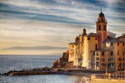 Olaszország és Dánia is lazít a belépési szabályokon