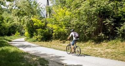 Nem lesz kötelező bicikliúton tekerni?