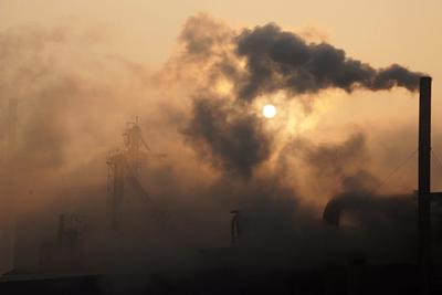 Kína károsanyag-kibocsátásának mértéke túlszárnyalja az összes fejlődő országét együttvéve
