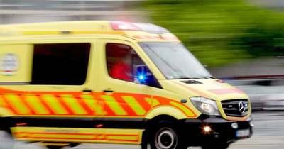 Busz ütközött autóval Tatabányán, ketten is megsérültek