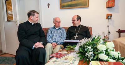 A kilencvenedik születésnapján Marosfalvi Antal pápai áldást kapott az életére, családtagjaira és barátaira