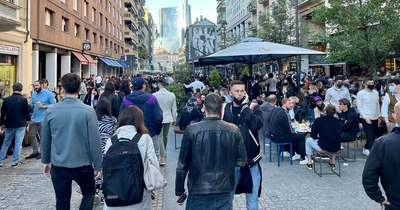 A Corso Garibaldi ismét dugig volt aperitivózó fiatalokkal