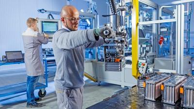 Nyugat-Európa vezet az akkumulátoripari beruházások területén