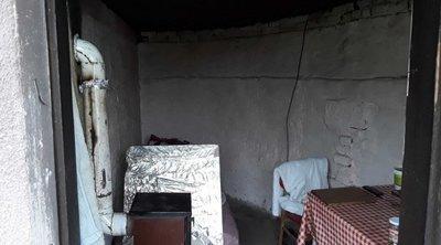 Megrázó fotók: ebben az ablak nélküli lyukban, rabszolgaként tartottak évekig egy férfit Mezőszentgyörgyön