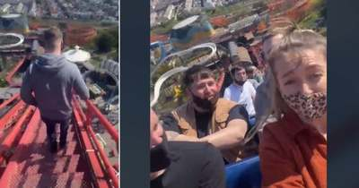 Elakadt a magasban egy hullámvasút, halálfélelme volt az embereknek – Videó
